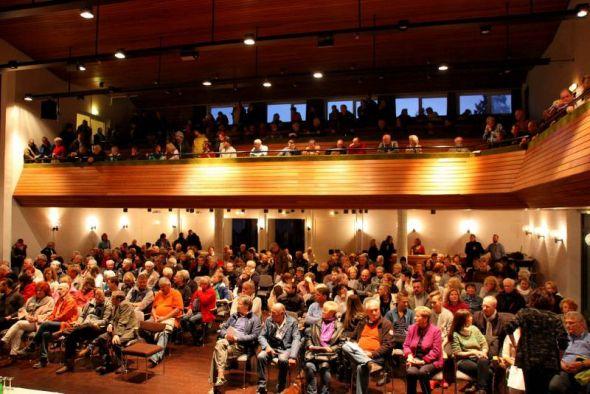 Ein Thema, das bewegt: So voll besetzt wie an diesem Abend ist der Saal des St. Andreasberger Kurhauses selten.