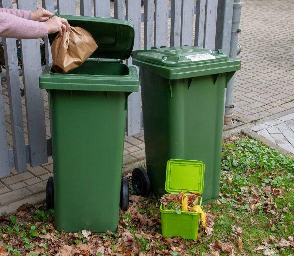 Start im April 2019: Bioabfälle werden im Altkreis Osterode künftig über die grüne Komposttonne entsorgt. Das kleinere Vorsortiergefäß und Papiertüten sind Teil des Startpakets für die Haushalte.
