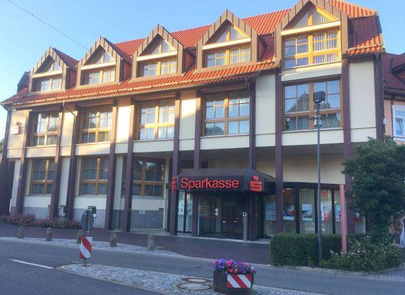 Die kleinste selbständige Sparkasse Deutschlands, die Stadtsparkasse Bad Sachsa, schließt sich mit der Sparkasse Osterode am Harz zusammen