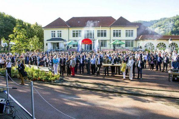 Über 500 Vertreterinnen und Vertreter der südniedersächsischen Wirtschaft haben das Flair des Bad Lauterberger Kurparks genossen.
