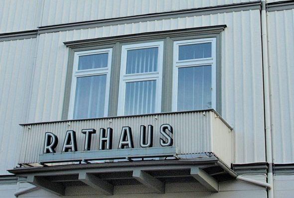 b_590_0_16777215_00_images_stories_com_form2content_p17_f10067_Rathaus_nah.jpg