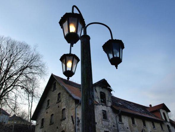 Ist ein Licht schon aus oder sind zwei noch an? Auf der Königshütte muss was passieren, findet nicht nur der Förderkreis-Vorsitzende Hillegeist.