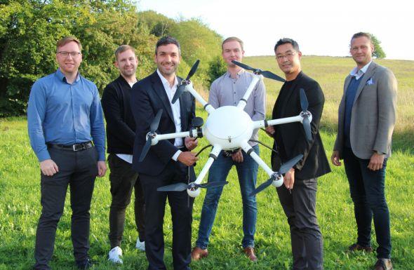 Gruppenfoto mit Drohne (Fotos: Karl-Heinz Wolter)