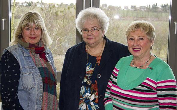 Kreistagsabgeordnete Barbara Rien (links) unterstützte die Frauengruppe der SPD bei der Gründung. Hier mit Erika Engelke (Mitte) und Ira Bierwirth.