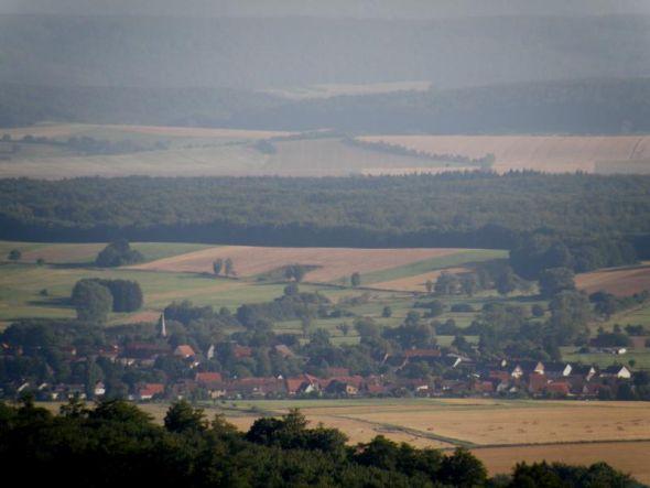 Muss hier rückgebaut werden? Osterhagen vom Bismarckturm aus gesehen.