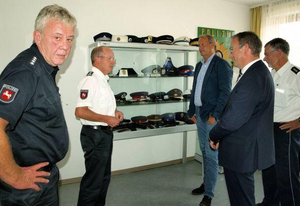 Austausch zwischen Politik und Polizei (von links): Burkhard Hantke, Michael Geyer, Fritz Güntzler, Andreas Körner und Hans Walter Rusteberg.