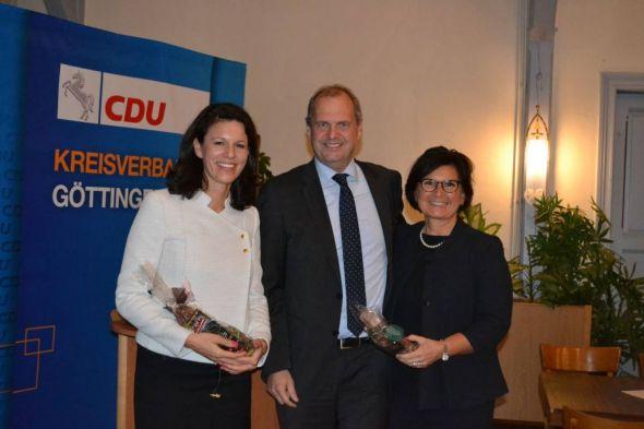 Von links nach rechts: Dr. Katja Leikert, Fritz Güntzler MdB und Ute Bertram