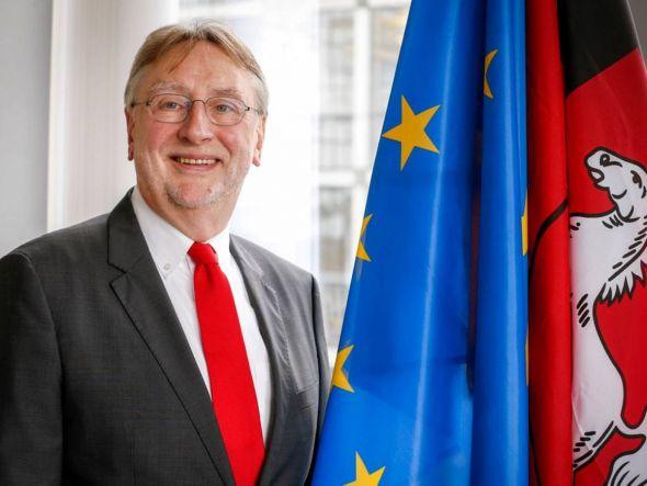 Bernd Lange will eine stärkere Brücke von Niedersachsen nach Brüssel bauen. (Fotos: European Union)