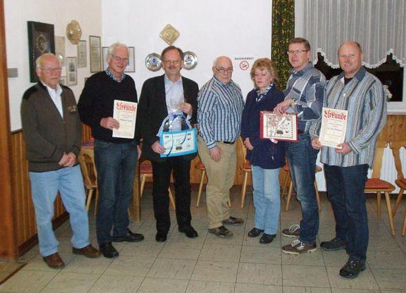 Luftsportler (von links): Hubert Kunert, Hartmuth Ludwig, Hubert Brille, Klaus Ansorg, Gudrun Wulze, Manfred Schormann und Dr. Jörg Wehmeyer.