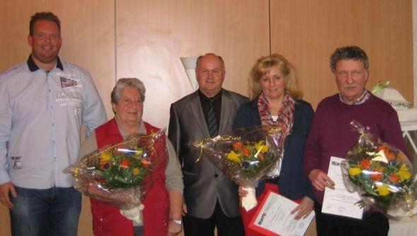 Der Vorstand mit den Geehrten (von links): Ingo Fiedler, Erni Schlegel, Andree Linke, Patricia Liebert und Siegbert Mehlich.