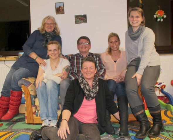 Tamara Zamjatnins, Denise Horn, Patrik Köhler, Madlen Apel, Claudia Gregasz (von links), Janka Eckhardt (vorn)