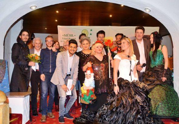 Abwechslungsreiches Format im familiären Rahmen: Die Teilnehmer des ersten Bad Lauterberger Showtalks im Jahr 2019.