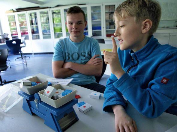 Der Tag der offenen Tür in der KGS Bad Lauterberg brachte Spaß mit mathematischen Knobeleien – und vielleicht auch tiefergehenden Erkenntnisgewinn, zum Beispiel die Schulwahl betreffend.