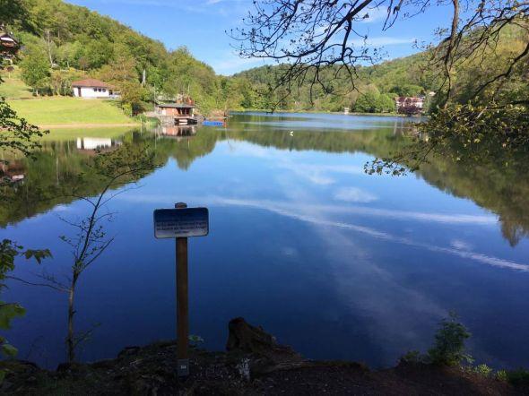 So still muss der Wiesenbeker Teich nicht bleiben: der Freibadbetrieb beginnt am Pfingstwochenende...