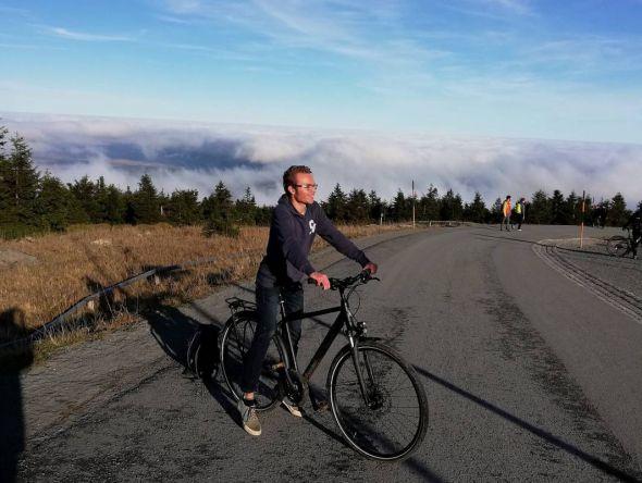 Nicht zum ersten Mal führt sein Fahrrad den Bad Lauterberger Abiturienten Tom Zinram auf den Brocken.