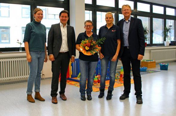Erster Besuch in den neuen Räumen (v.l.): Marie Henners (Fachbereichsleiterin Integration der Johanniter im Regionalverband Südniedersachsen), Marcel Riethig, Janka Eckhardt, Denise Horn und Thomas Gans.