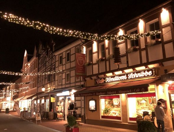 Der Boulevard stimmt auf Weihnachten ein