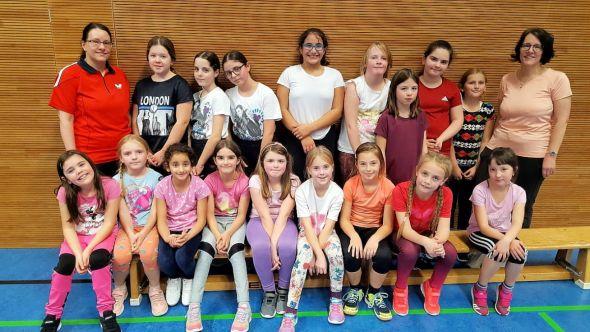 Die Mädchen des Mädchencafés Kratzbürste hatten wieder viel Spaß mit den Übungsleiterinnen vom LAV Bad Lauterberg. (Fotos: Inge Holzigel)