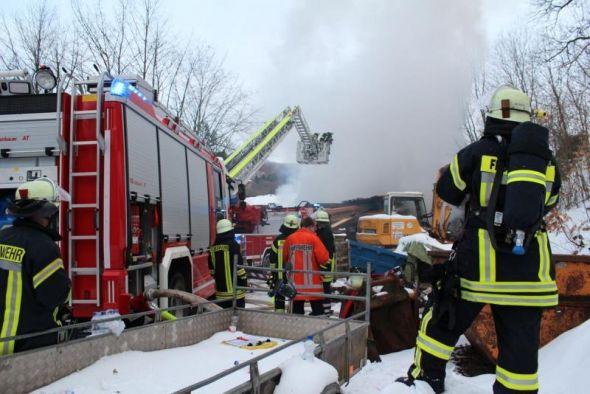 Campingpark Wiesenbeker Teich, 28.01.2014: Großeinsatz für die Bad Lauterberger Feuerwehren. (Foto: ski)