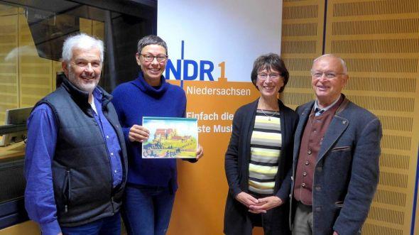 Im NDR-Funkhaus (von links): Firouz Vladi, Martina Gilica Dr. Sigrid Vogel und Wilfried Henkel.