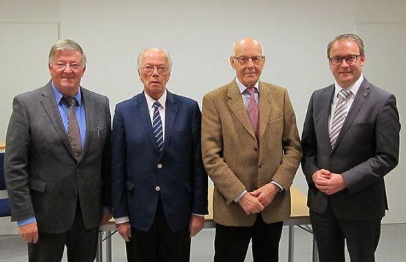 Klaus Elsner (von links) ist aus dem Vorstand ausgeschieden, das Gremium besteht nun aus Friedrich-Karl Böttcher, Vorsitzendem Lothar Leifheit und dessen neuem Stellvertreter Andreas Körner. (Foto: Diabeteszentrum)