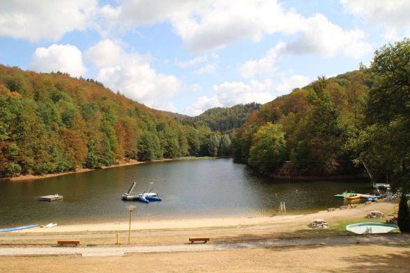 Der Wiesenbeker Teich ist um eine Attraktion reicher: am Sonntag wird die Wasserskianlage eröffnet