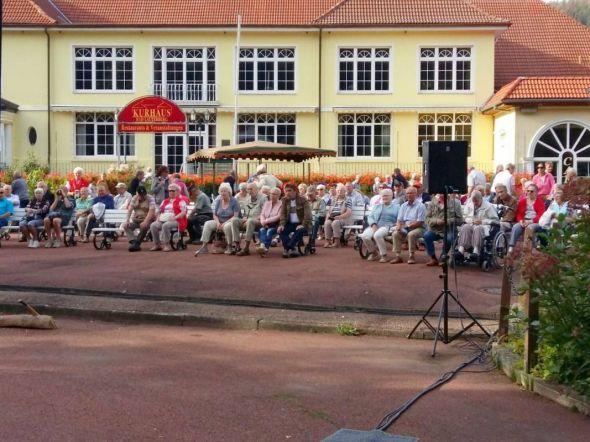 Viele Besucher sangen mit