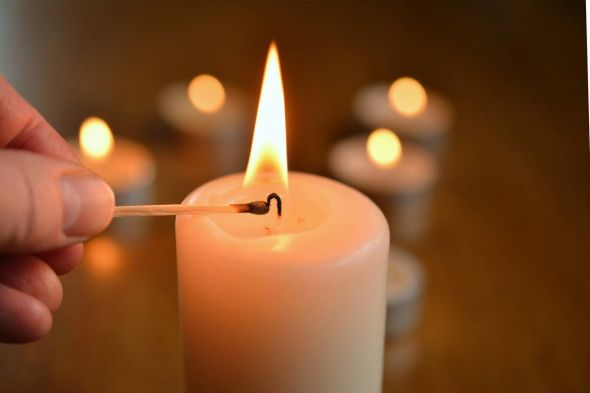 b_590_0_16777215_00_images_stories_com_form2content_p19_f9394_pixabay_congerdesign_candle-1750640_1920.jpg