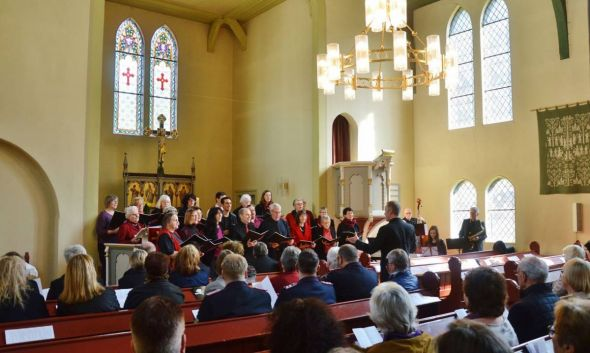 Auch musikalisch klang es im Gottesdienst nach Freude
