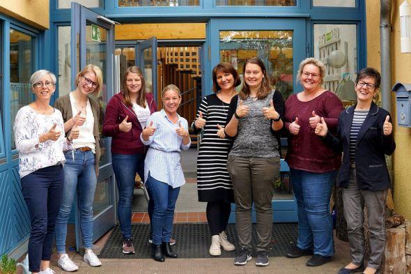 Vom Projekt überzeugt (von links): Anja Brakel, Rieke Heitmüller, Dana Steinmann, Marina Tomforde, Anna Ruder, Denise Wehmeyer, Jennifer Leck und Ingrid Baum.