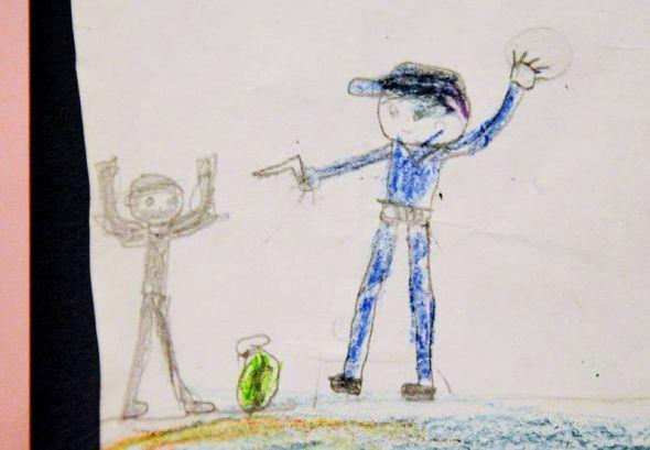 Sie gehen besonders nahe: Die Kinderzeichnungen lassen erahnen, was die Kinder, die sie gemalt haben, mitansehen mussten.