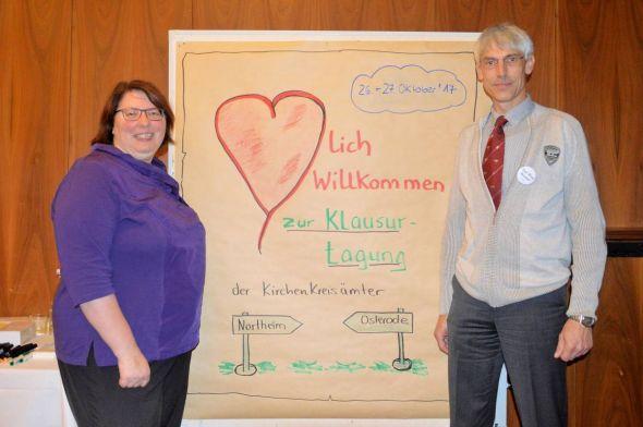"""Christa Eulert und Karl-Heinz Himstedt begrüßten """"ihre"""" Mitarbeiterinnen und Mitarbeiter zum Workshop…"""