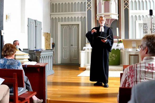 Nach 13 Jahren in Bartolfelde, Osterhagen und Barbis ist Pastor Hans-Joachim Heider in der Bartolfelder St. Bartholdi-Kirche von seinen Aufgaben entpflichtet worden.