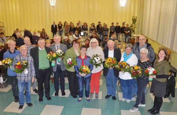 Für die Ausschussvorsitzenden und den KKT-Vorstand gab es besonderen Dank
