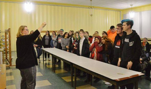 Simone Böckmann erklärte den Jugendlichen, welche Aufgabenbereiche es gibt